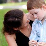 Как воспитывать застенчивого ребенка?